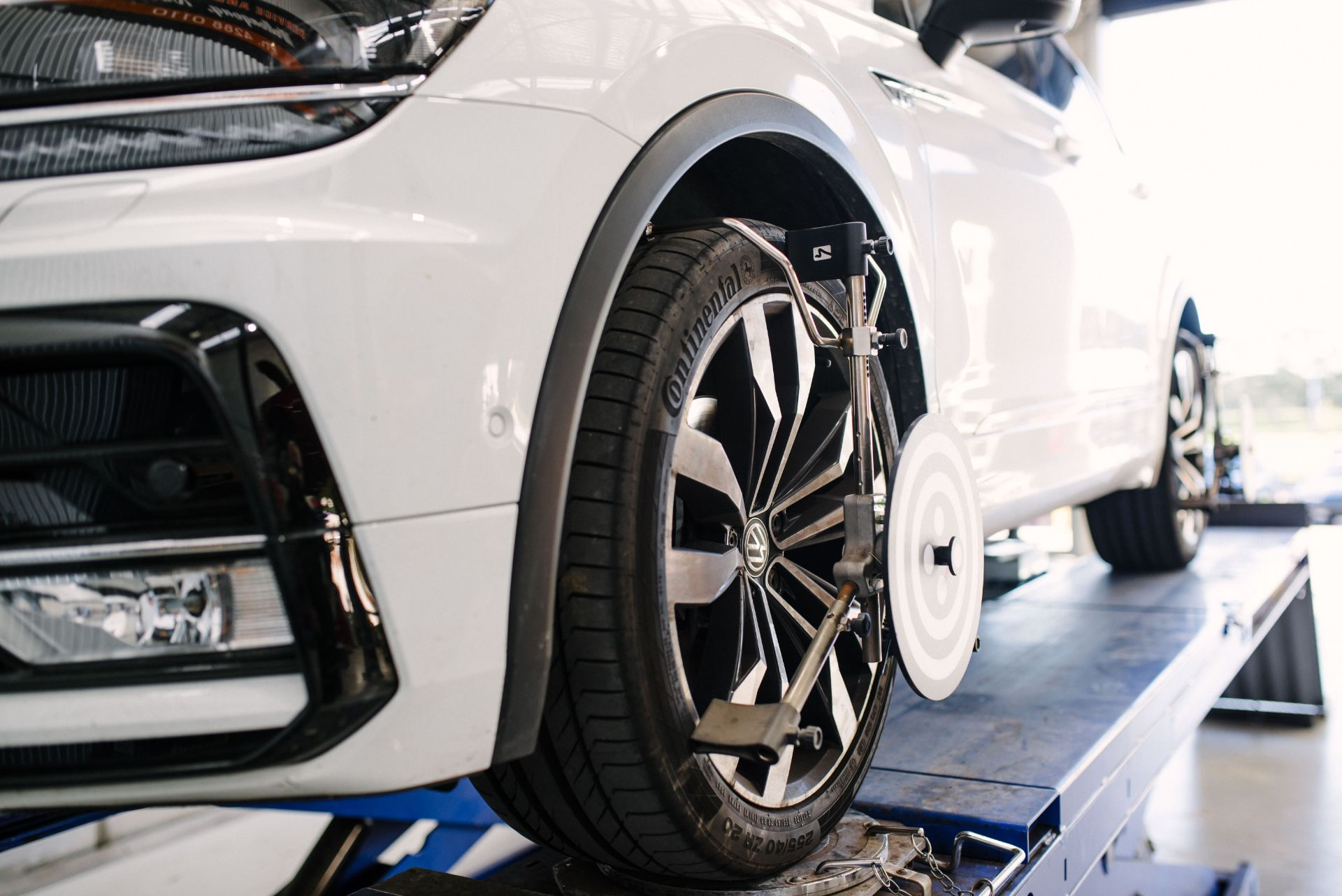 Grease and Oil mechanic wollongong wheel alignment